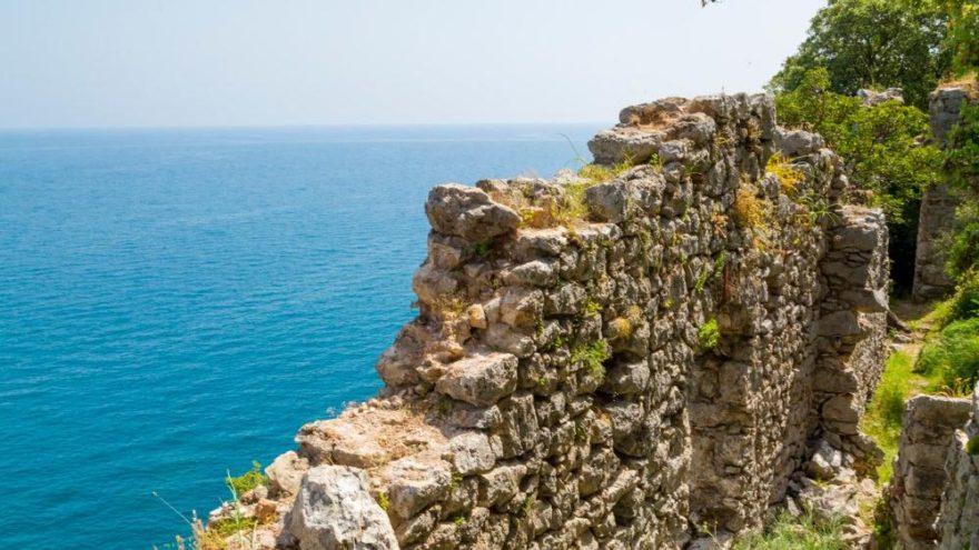 Olympos gezilecek yerler: Yeşilin ve mavinin her tonunu barındıran Olimpos hakkında ilginç bilgiler