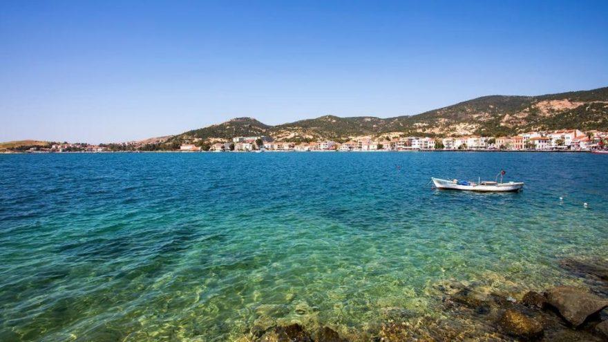Foça gezilecek yerler: Masmavi koylarıyla Foça'nın gezilecek turistik yerleri…