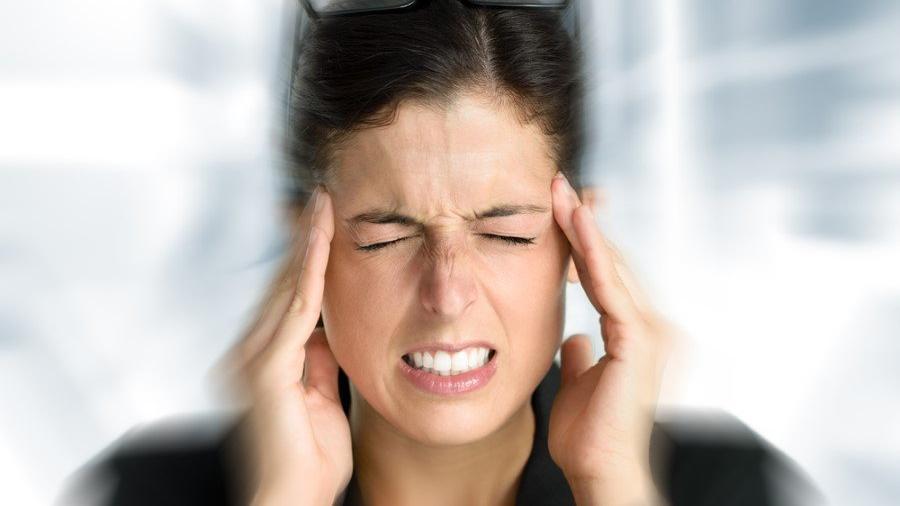 Sinüzit nedir? Şiddetli baş ağrısı yapan Sinüzit belirtileri ve tedavi yolları