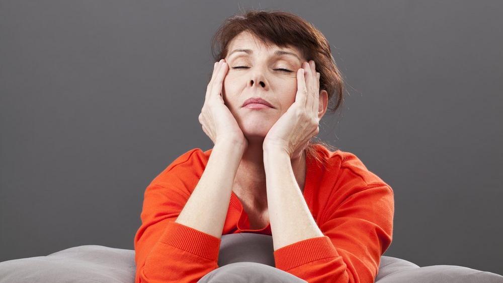 Menopoz döneminde nasıl beslenmeli? Menopozu ertelemek mümkün mü?