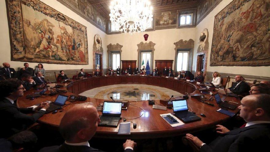 İtalya'dan skandal karara destek geldi