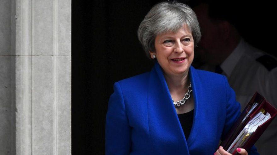İngiltere Başbakanı kritik Brexit oylamasını kazandı