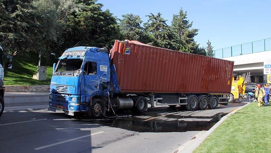 İstanbul, Bakırköy'de TIR kazası