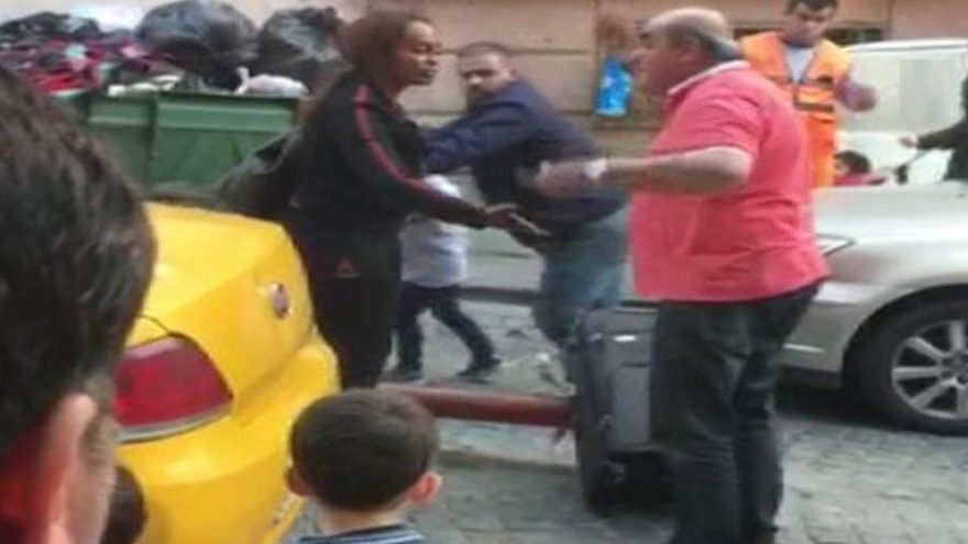 Turiste kötü davranan taksiciye ceza