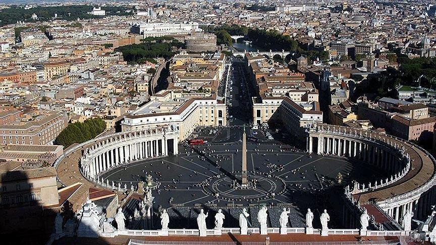 Vatikan'da diplomata çocuk pornosundan 5 yıl ceza