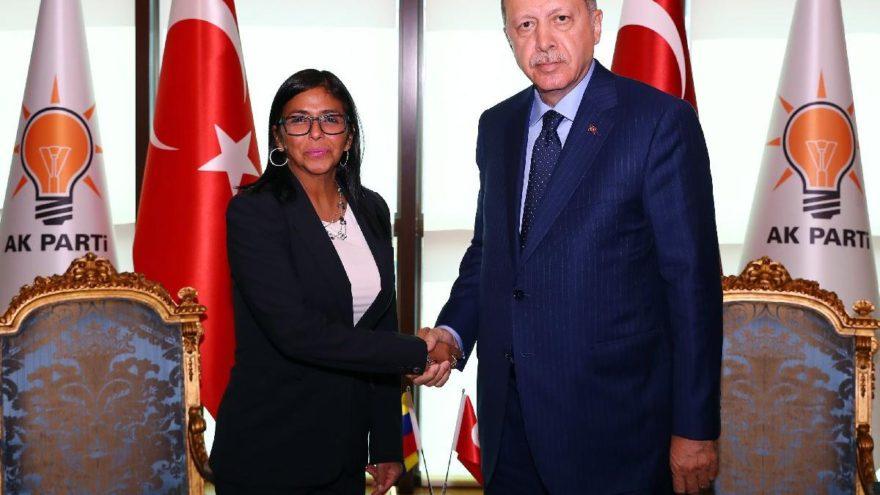 Erdoğan, Venezuela Cumhurbaşkanı Yardımcısı'nı AKP Genel Merkezi'nde ağırladı