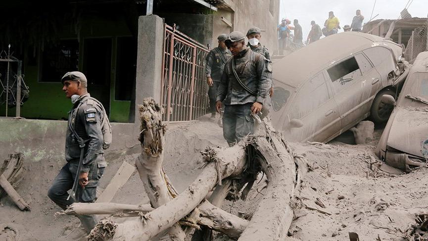 Guatemala'da bilanço ağırlaşıyor: Çok sayıda ölü ve kayıp var