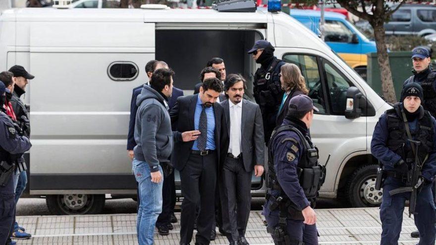 Yunan bakan: FETÖ'cülerin kaçırılmasından korkuyoruz