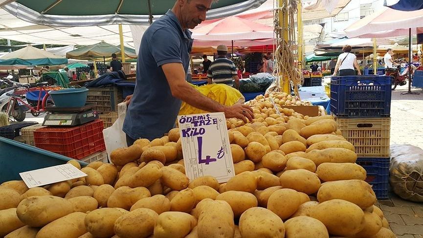 Patates üretimin fazla olduğu bölgeler arasında yer alan İzmir'in ödemiş ilçesinde de fiyatlar 4 liraya çıktı
