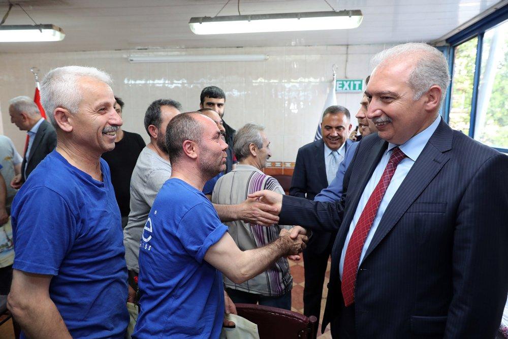 FOTO:iHA - Mevlüt Uysal geçtiğimiz yıl Eylül ayında Başakşehir Belediye Başkanlığını bırakarak, Kadir Topbaş'ın yerine İBB Başkanı olarak görevlendirilmişti.