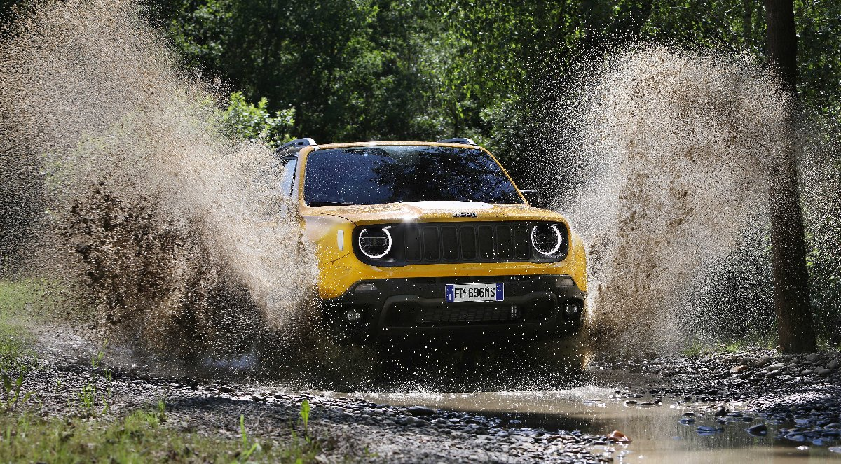 new-jeep-renegade-my19_trailhawk-12-kopya