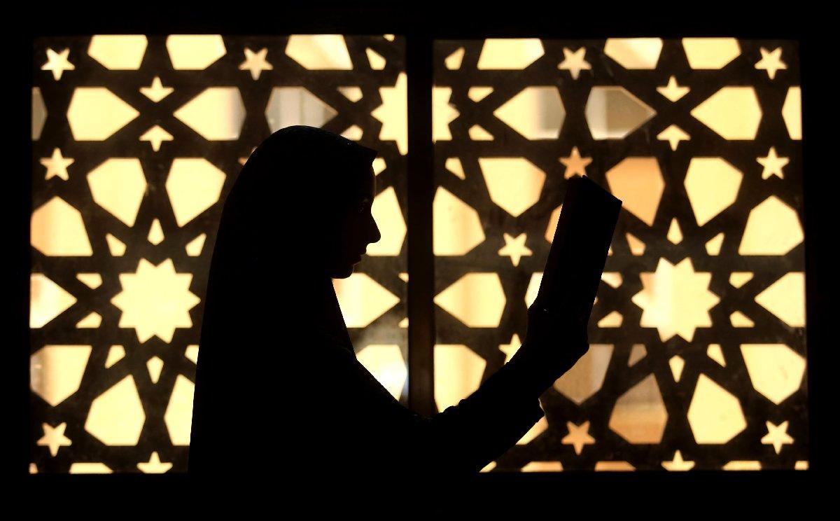 ramazan-ayi-iftar-sahur-imsakiye-depophotos-2