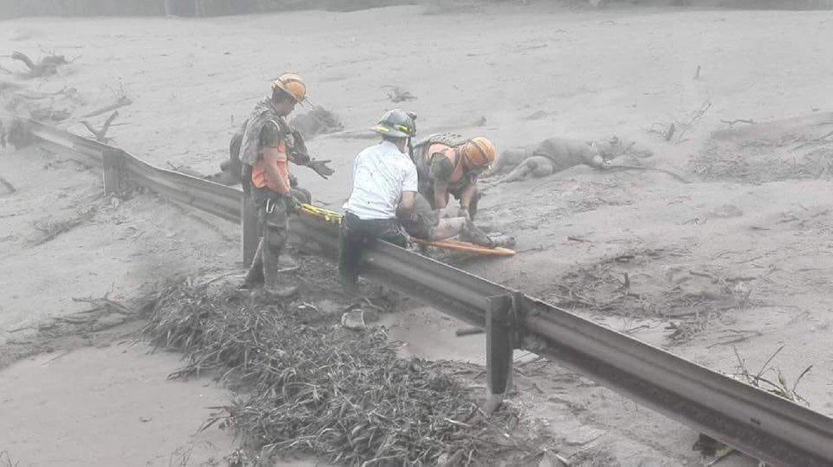 Guatemala'da yanardağ patladı: 25 ölü ile ilgili görsel sonucu