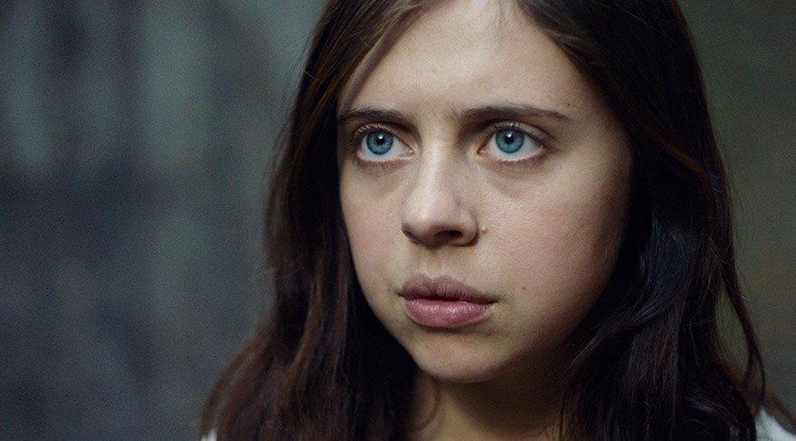 Anna, 16 yaşına geldiğinde Şerif Ellen Cooper tarafından kurtarılıp özgürlüğüne kavuşturulur.