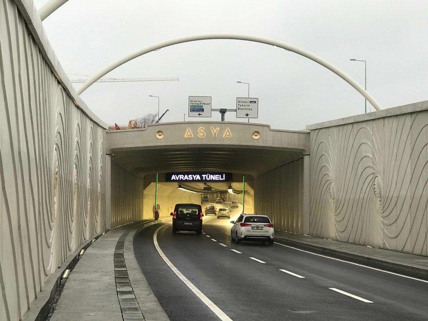 İstanbul Avrasya Tüneli - Avrasya Tüneli'nde yıllık 25 milyon 600 bin araç garantisi verildi. Sadece 10 milyon araç geçti.
