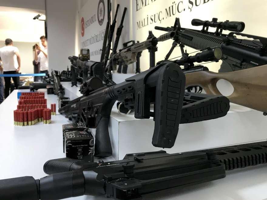 adnan-oktar-silah-foto-sozcu-10