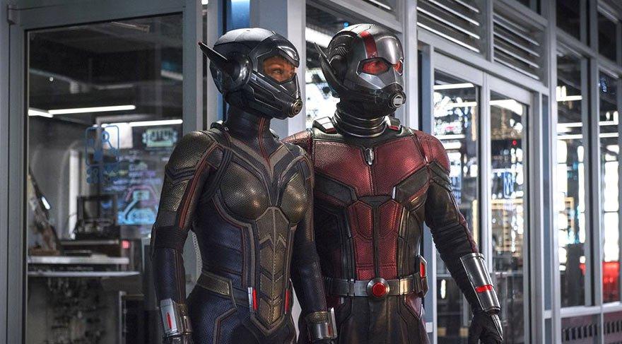Ancak Hank Pym ve Hope van Dyne acil bir görev için yardımını istediğinde bir ortakla çalışması gerekir. Hope, Wasp olarak Ant-Man'in yanında yer alacaktır.
