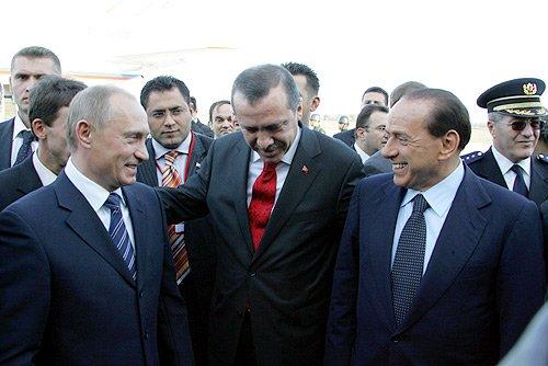 Törene Rusya adına Putin'in yerine Rusya Başbakanı Medvedev katıldı.