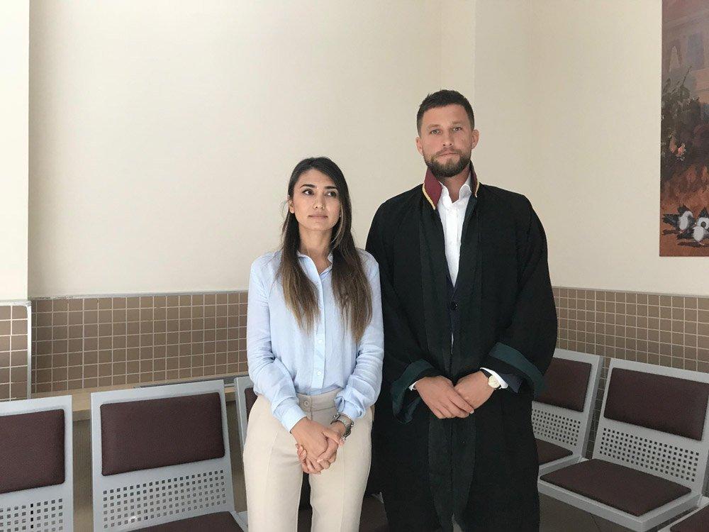 FOTO:SÖZCÜ - Canan Ay duruşmaya avukatı ile birlikte katıldı.