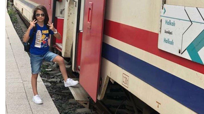 Minik Arda ve babası tren kazasında hayatını kaybetti
