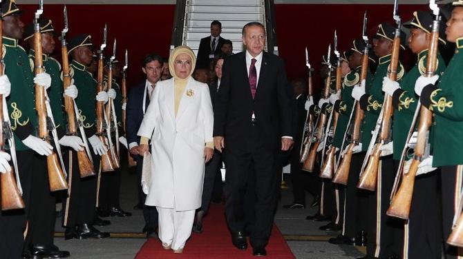Cumhurbaşkanı Erdoğan 10. BRICS Zirvesi'nde