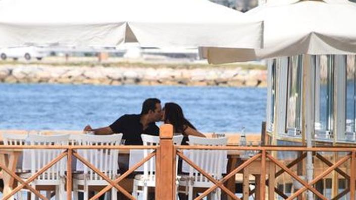 Rafet El Roman yeni sevgilisiyle görüntülendi