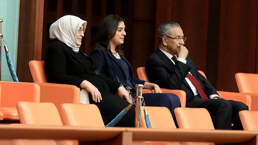 Bülent Arınç oğlu Mücahit Arınç'ı izlemeye Meclis'e geldi