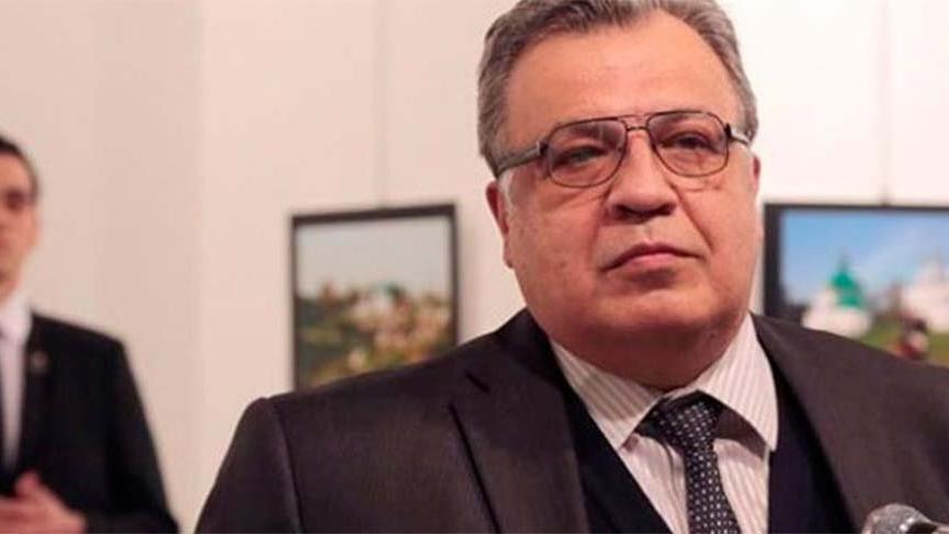 Karlov suikastı soruşturmasında eski polis memuru tutuklandı