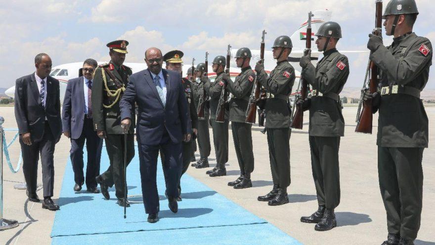 Sudan Cumhurbaşkanı El Beşir Ankara'ya geldi