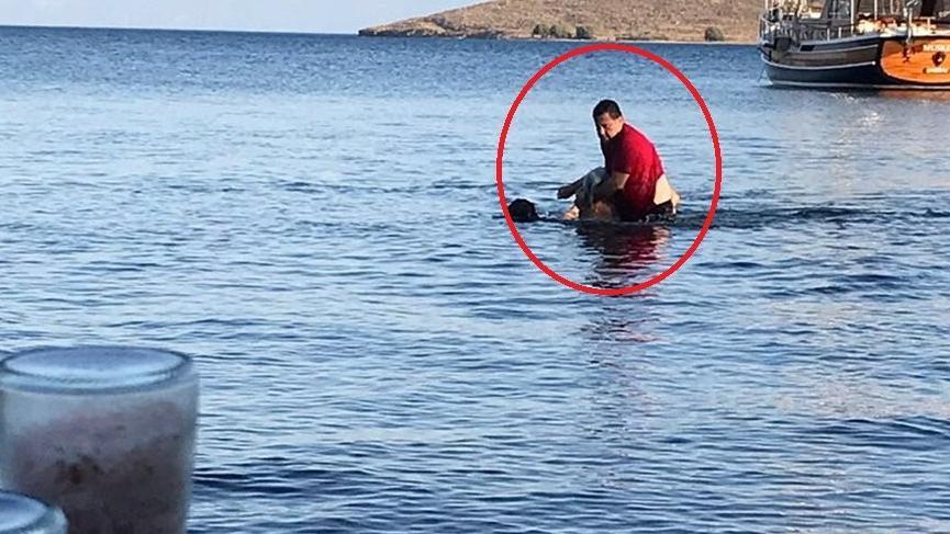 Bodrum Belediye Başkanı Mehmet Kocadon boğulan tatilcinin hayatını kurtardı