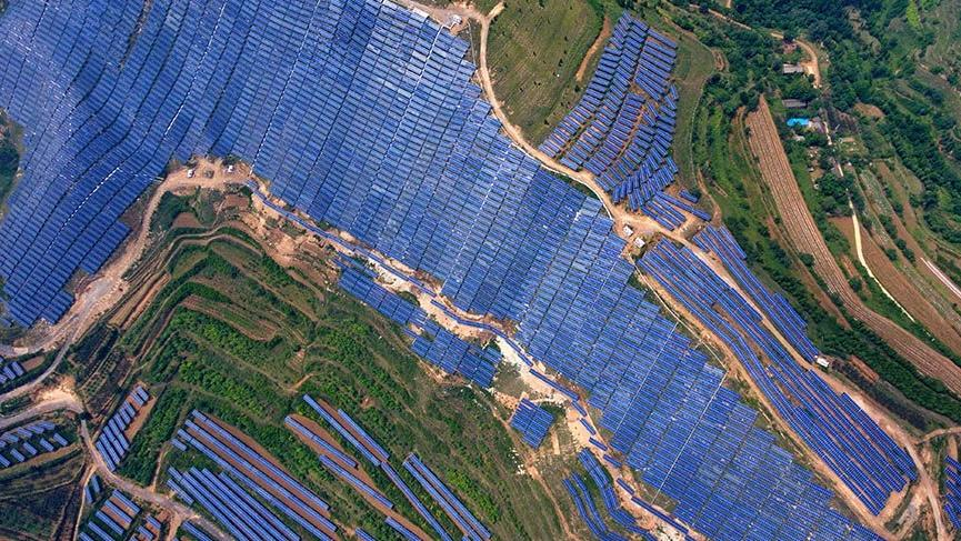 Çin'de dev güneş santralleri kuruluyor