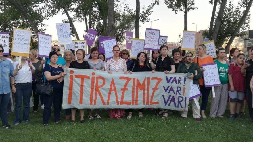 Bursa Nilüfer'de kadınlar çocuk istismarına karşı yürüdü