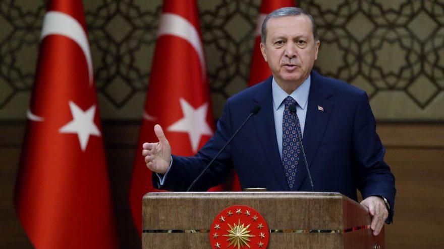 Erdoğan'a şiir yazdı, o da ihraç edildi