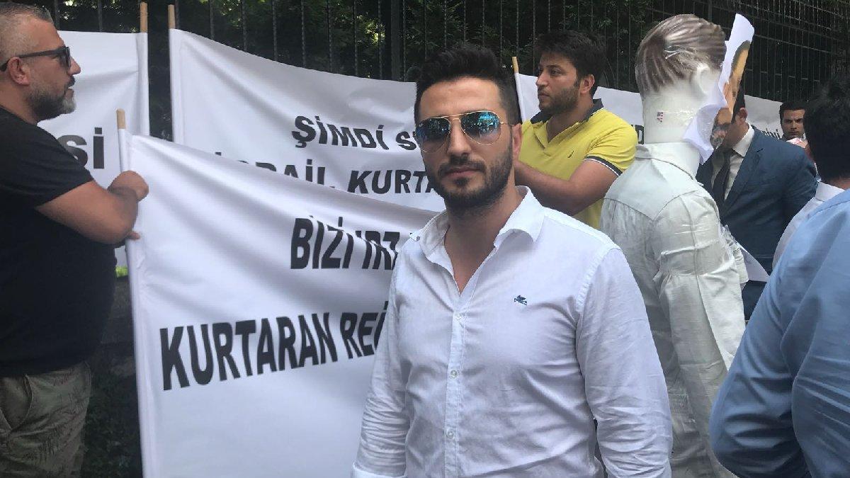 Emniyet'in önünde Adnan Oktar eylemi