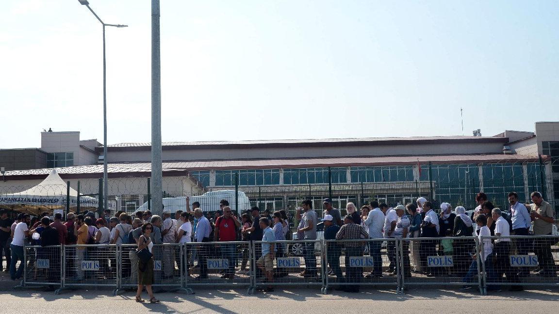 Ankara'da 'gar katliamı' davası duruşması öncesi yoğun güvenlik önlemi