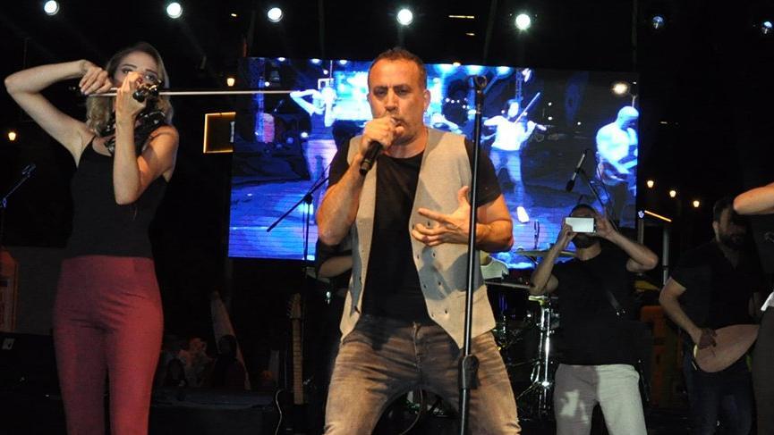 Haluk Levent, şarkılarını Barış Akarsu anısına söyledi