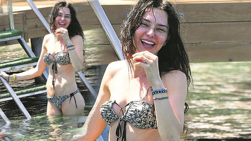 Hande Ataizi'nden bikinili gövde gösterisi