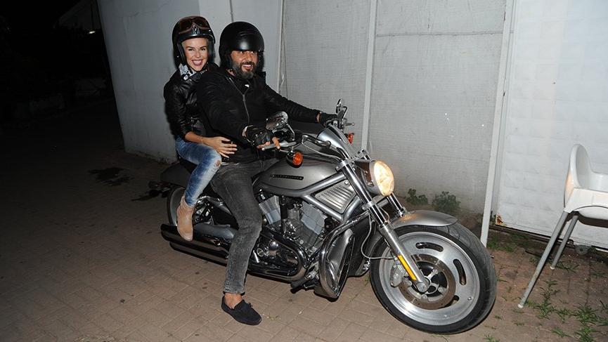 İpek Tanrıyar ve Barış Kurtuluş motosikleti tercih etti
