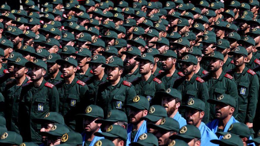 İran'dan yaptırımlara karşı flaş hamle: Paralarını çekiyorlar