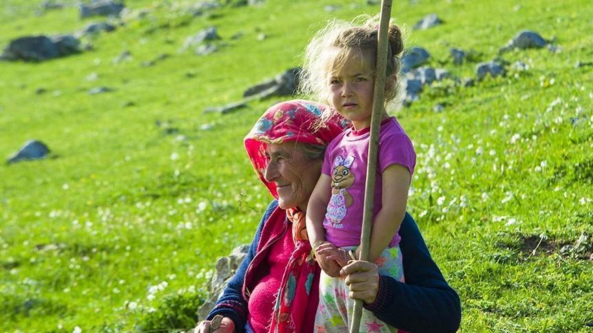 Karadeniz yaylaları çocuklarla şenleniyor