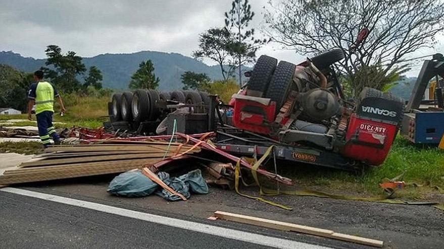Korkunç kazada minik mucize… İlk yardım ekipleri inanamadı