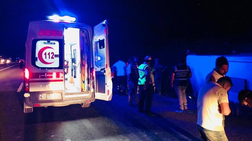 Konya'da yolcu otobüsü devrildi: Yaralılar var