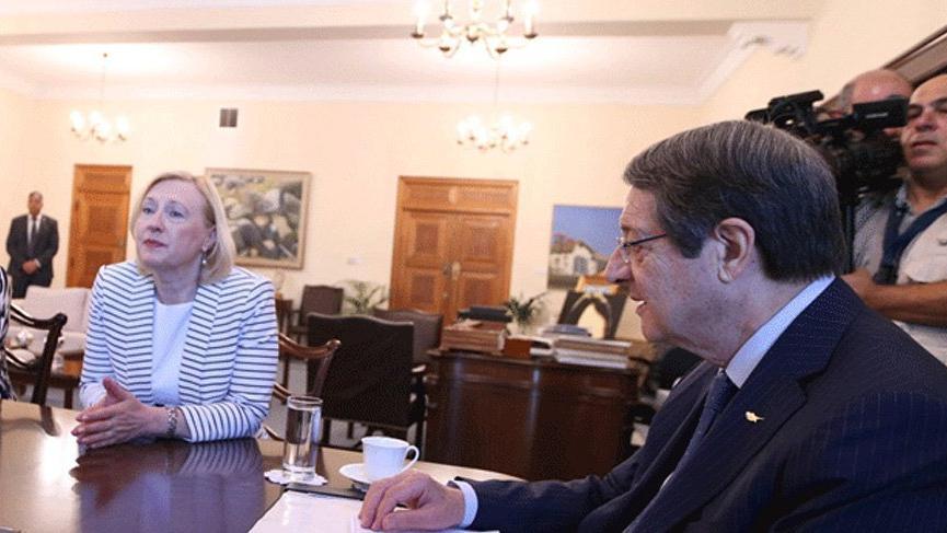 Kıbrıs'ta yoğun diplomasi