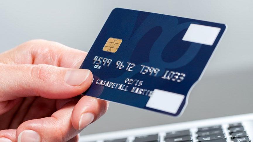 Kredi kartı borçlusu azaldı, kredi borçlusu arttı