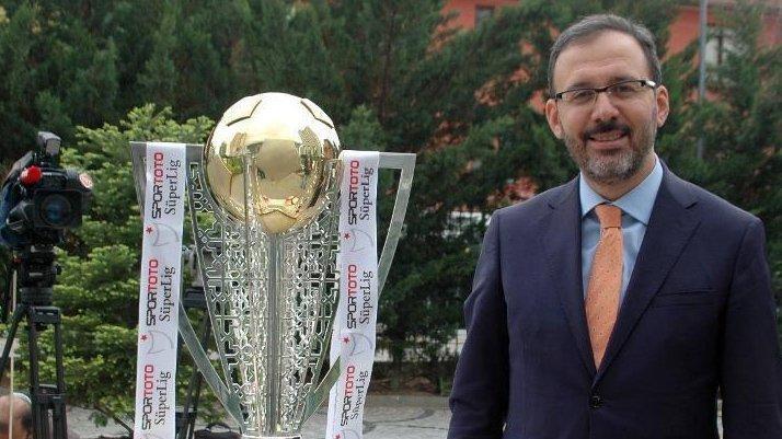 Mehmet Kasapoğlu kimdir, kaç yaşındadır?