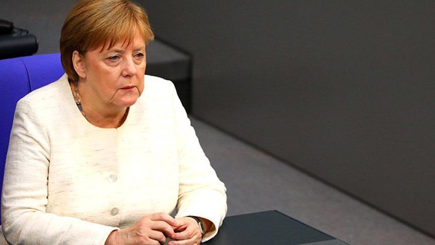 Almanya'da kamplar yeniden hortluyor