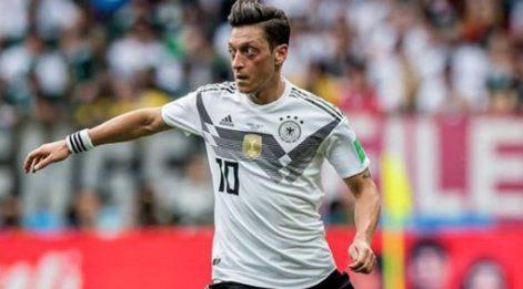Mesut Özil kimdir? Kaç yaşında ve aslen nereli? Almanya Milli Takımı'nı bırakan Özil hakkında merak edilenler