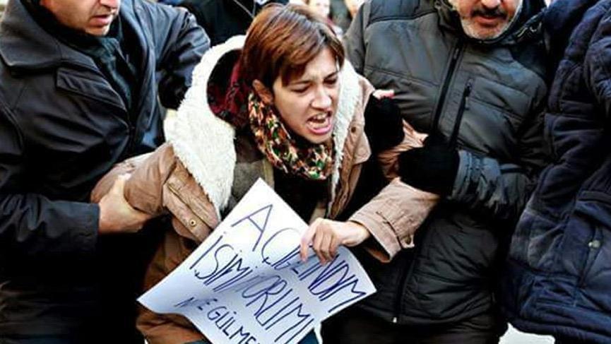 Gözaltındaki akademisyen Nuriye Gülmen serbest bırakıldı