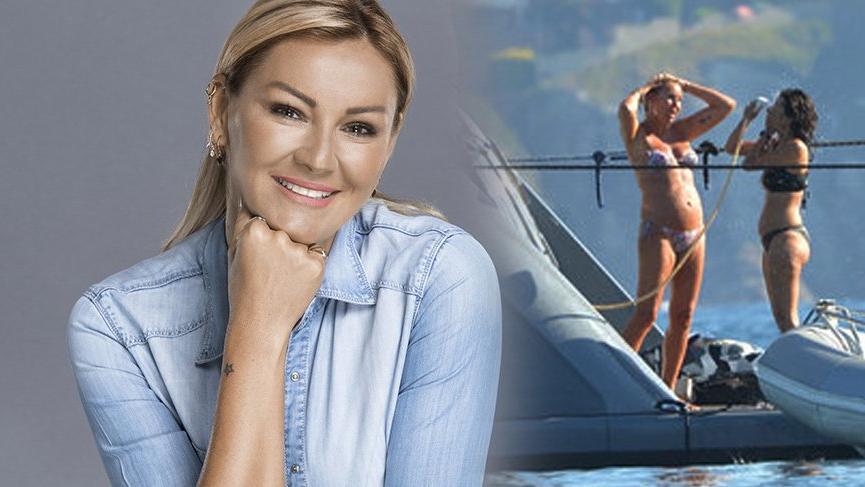 Pınar Altuğ tekne tatilinde