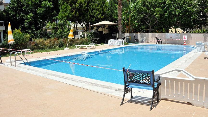 Antalya'da 3 yaşındaki çocuk evlerinin havuzunda boğuldu